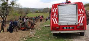 Tokat'ta devrilen traktörün sürücüsü öldü