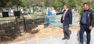 Yahyalı mezarlıklarında çevre düzenlemesi başladı