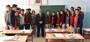 Vali Tuna Halfeti'de öğrencilerle bir araya geldi