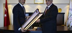 TÜBA Başkanı Prof. Dr. Ahmet Cevat Acar, Rektör Özer'i ziyaret etti