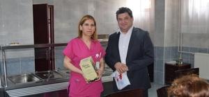 Gelibolu Devlet Hastanesinde kitap hediyeleşme etkinliği