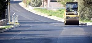 Aliağa'da asfalt kaplama çalışmaları hızla sürüyor
