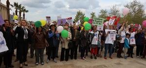 Urla'daki Demokrasi Şenliğine yoğun katılım