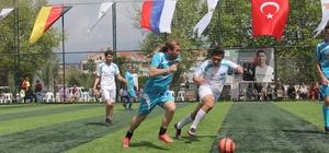 Kemer'de dostluk turnuvası