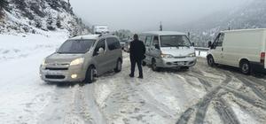 Akseki-Seydişehir Karayolu'nda ulaşıma kar engeli