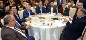 """AK Parti Genel Başkan Yardımcısı Ataş'a """"evet"""" yazılı baklava"""