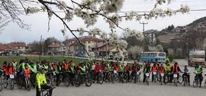 Sağlıklı yaşam için Mudurnu'yu bisikletle gezdiler