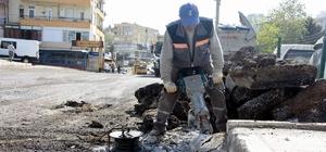 Aliağa'daki Fatih Caddesinde asfaltlama mesaisi