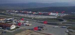 Highway AVM'de dev Türk bayrakları görenleri büyüledi