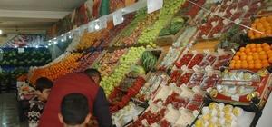 Van'da sebze meyve fiyatları düşmüyor