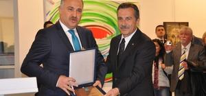 """Başkan Ataç """"Sanata Katkı Kurumsal Ödülü"""""""
