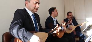 Kaymakam ve kurum müdürleri konsere hazırlanıyor