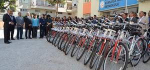 Okul birincileri bisikletle ödüllendirildi