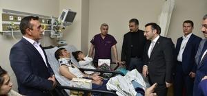 Vali Aksoy patlamada yaralanan vatandaş ve polisleri ziyaret etti