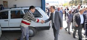 Başkan Uğur ve Başkan Uysal Burhaniye'de çıkarma yaptı