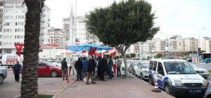"""Antalya'da """"evet"""" standını yıkan aile gözaltında"""