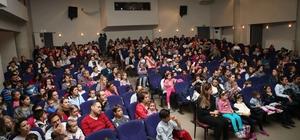 32 bin tiyatrosevere perde açtılar