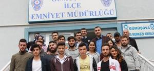 Düzce Üniversitesi öğrencilerinden emniyet görevlilerine ziyaret
