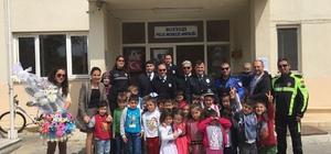 Bozyazılı miniklerden polislere ziyaret