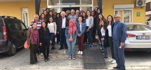 Öğrenciler'den Huzurevi ziyareti