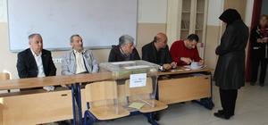 Afyonkarahisar'da oy verme işlemi başladı