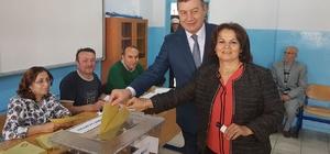 MHP İl Başkanı Karataş, oyunu Bayraklı'da kullandı