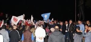 Ayvalık AK Parti'de 'Evet' coşkusu