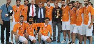 Voleybol turnuvasının finalistleri belli oldu