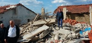 Samsun'da traktör garajı inşaatı çöktü: 3 ölü