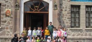 Çözüm Koleji öğrencileri Anıtkabir'i gezdi