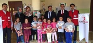 Şaphane'de 480 öğrenciye hediye