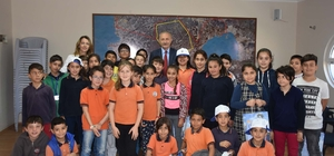 Minik öğrencilerden Başkan Atabay'a ziyaret