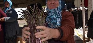 Baharın ilk sebzesi kuşkonmaz pazarda indi