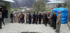 AK Parti'li Özbek'ten teşekkür ziyaretleri