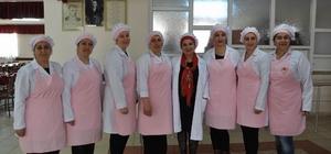 Sivas'ta Cem Vakfı'nda aşçılık kursu açıldı