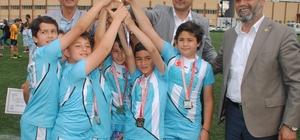 Aydın Cumhuriyet İlkokulu şampiyon oldu