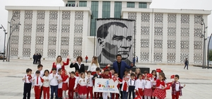 Başkan Genç, koltuğu 6 yaşındaki Uygar'a bıraktı