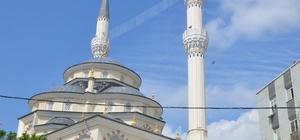 Zümrütevler sakinleri yeni camiye kavuştu