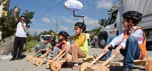 Tahta araba yarışlarına 120 çocuk katıldı