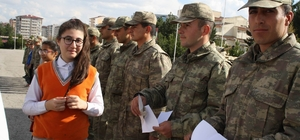 Öğrencilerden askerlere mektup