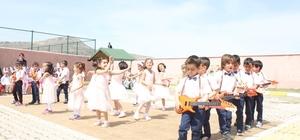 Anaokulu öğrencilerinden 23 Nisan etkinliği