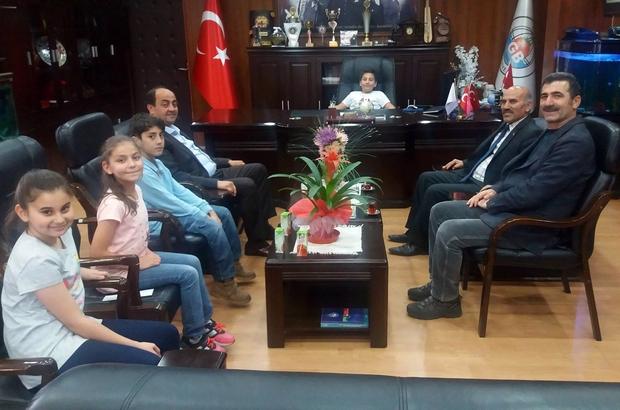 Demirtaş'ın başkanlık koltuğuna 4 öğrenci oturdu