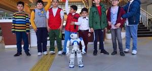 Otizmli çocuklar robotik eğitimle daha kolay öğreniyor