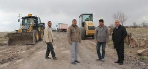 İncesu Belediyesi bağ yolları ıslah çalışmalarına devam ediyor