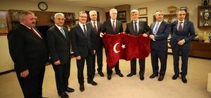 """Başkan Karaosmanoğlu: """"OSB'ler üretimin kalbidir''"""