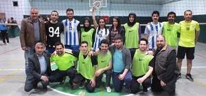 Hakkari'de öğretmenler arası voleybol turnuvası