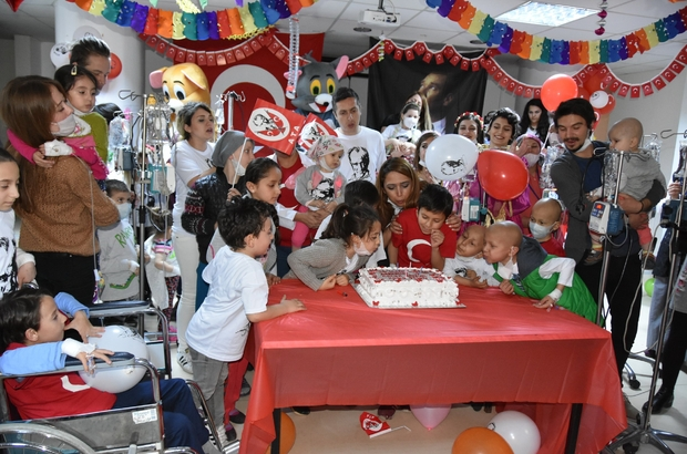 Lösemili minikler 23 Nisan'ı kutladı