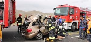 Erzurum'da otomobil ile tır çarpıştı: 2 ölü, 1 yaralı