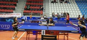 Tokat'ta masa tenisi en iyi 12'ler şampiyonası başladı
