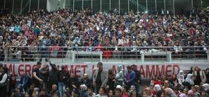 Tuşba Belediyesinin Mevlit programı yoğun katılımla gerçekleşti